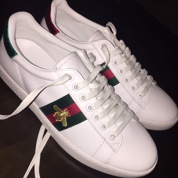 c6f96666dca Gucci Embroidered sneakers Bee